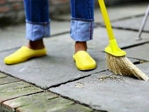 woman-sweeping